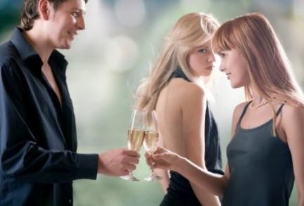 Nese ju pelqen jashtmase nje i/e fejuar, ju cfare beni?   - Faqe 2 Tradimento-gelosia
