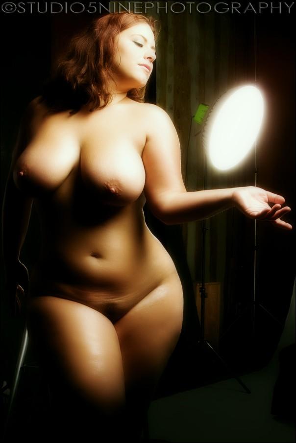 Фото красивых полных голых девушек