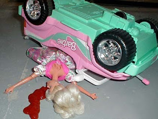 accidente de tráfico de barbie