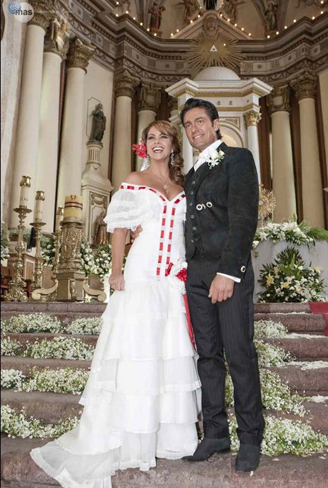 Vestido de novia de lucrecia en mi pecado