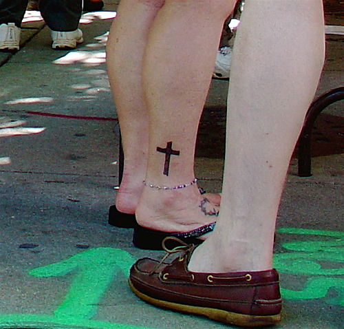 populer tattoo tattos Cross Tattoos On Foot