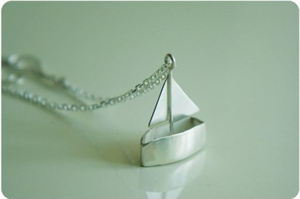 [sailboat+necklace]