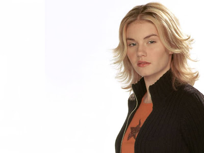 hot actress Elisha Cuthbert wallpaper