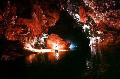 Nang Tien Grotto (Fairy Grotto)