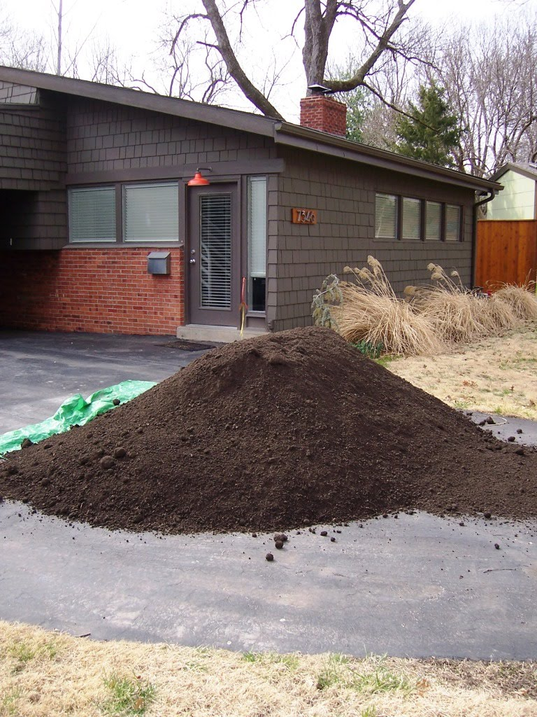 10 Tons Of Dirt : Our first house march