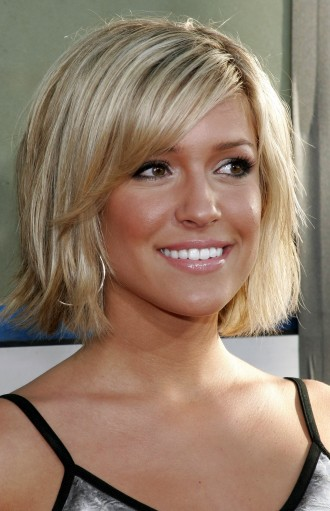 Medium length haircuts represent most women or girls taste.