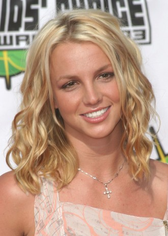 beautiful summer curly hairstyle for long hair. Beachy Waves hairstyles