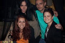 Con Mario Y Delfin