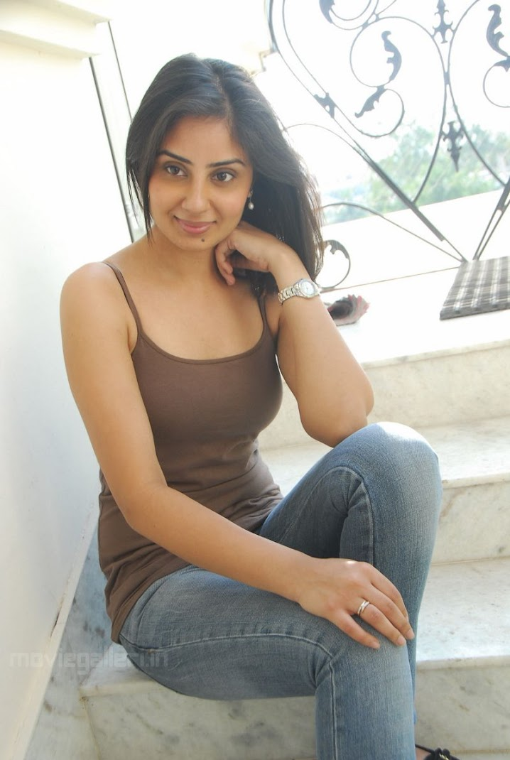 Bhanu Mehra Hot Photo Stills