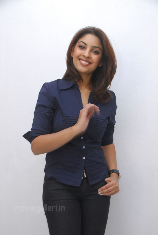 Richa Gangopadhyay Latest Photo Shoot Stills hot images