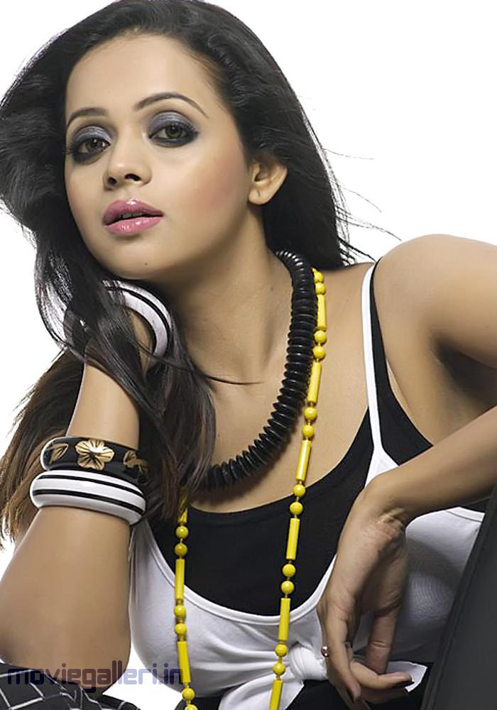 700 x 1000 jpeg 153kB, Telugu Actress Bhavana Latest Hot Photo Shoot ...