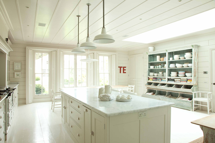 Wonderful kitchens from plain english design content in for English style kitchen cabinets