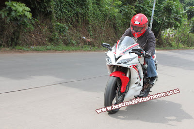 Modifikasi Motor Yamaha R6