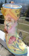 Stivale decorato tramite tecnica decoupage+sospeso trasparente