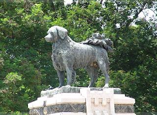 Ya Lea monuments
