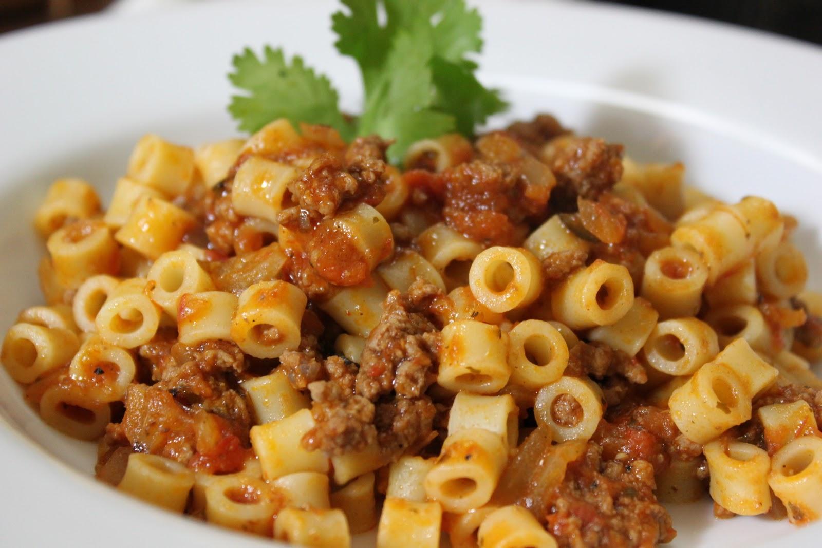 Dalia's Delights: Mom's Beef Macaroni