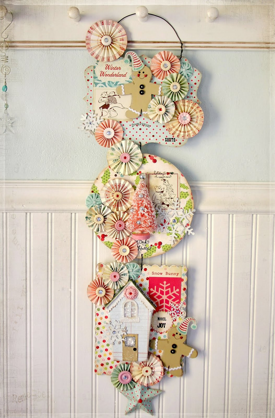 Ally scraps quot vintage christmas wall swag by linda albrecht
