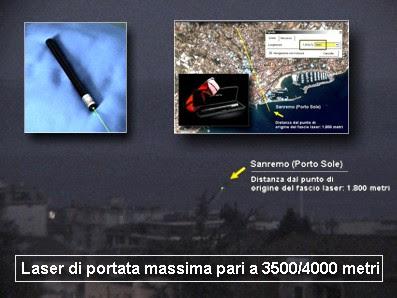 La 'penna' laser puntata verso il mare prospiciente il porto di Sanremo, ad oltre 1800 metri di distanza.