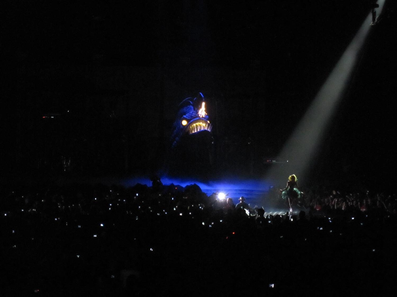 http://2.bp.blogspot.com/_LezHMiPgjVM/S-UkMEUKDvI/AAAAAAAABJo/0DLMFH-wemo/s1600/Lady+Gaga+-+6.jpg