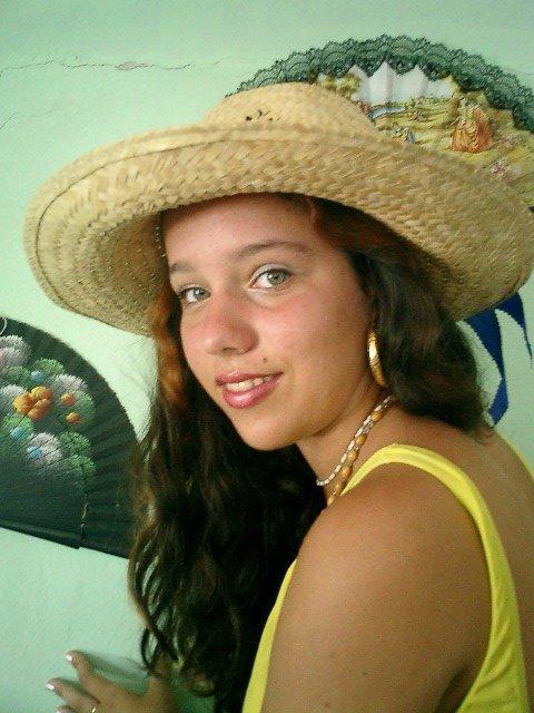 Hermosa hija de Tony Arias