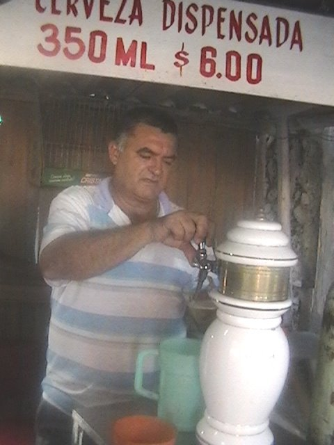 Se vende cerveza calle Real