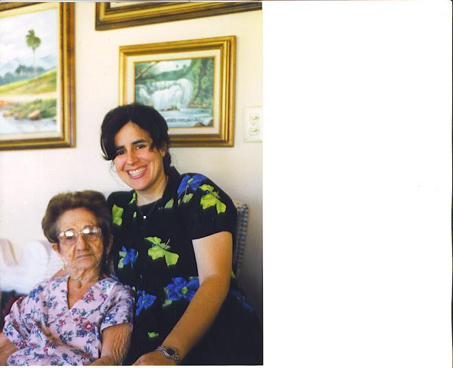 Estela Cruz y Ana Margarita santis nieta
