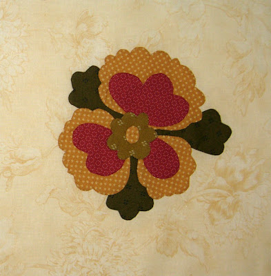 Moda Greenpiece applique block 10, the funky flower