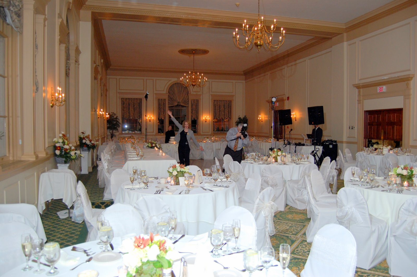 Weddings at the hawthorne hotel a nice wedding for a for Hotel claire meuble nice
