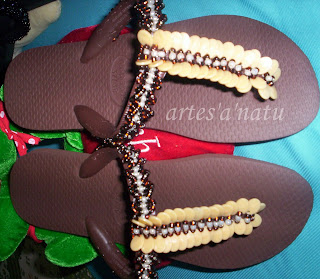 Bordadas: cod.2982 Sandálias havaianas Bordadas em pedrarias