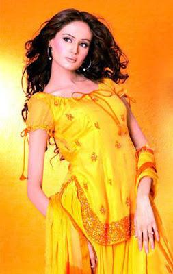 http://2.bp.blogspot.com/_LkthGPUJ1XQ/TBkACHVGa8I/AAAAAAAAEho/ofJP2YW1YBc/s1600/Mehndi-Dresses-in-Pakistan.jpg