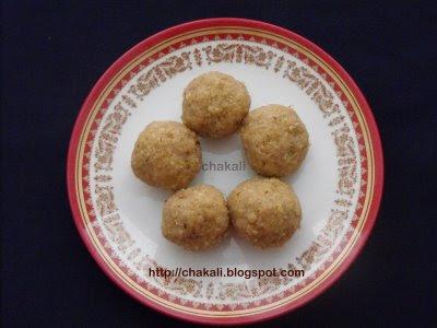 shilya polyanche ladu, laadu recipe, policha ladu, chapaticha ladu