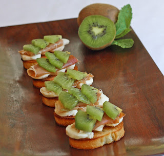 Kiwi Crostini Kiwi Crostini... and Camp!!