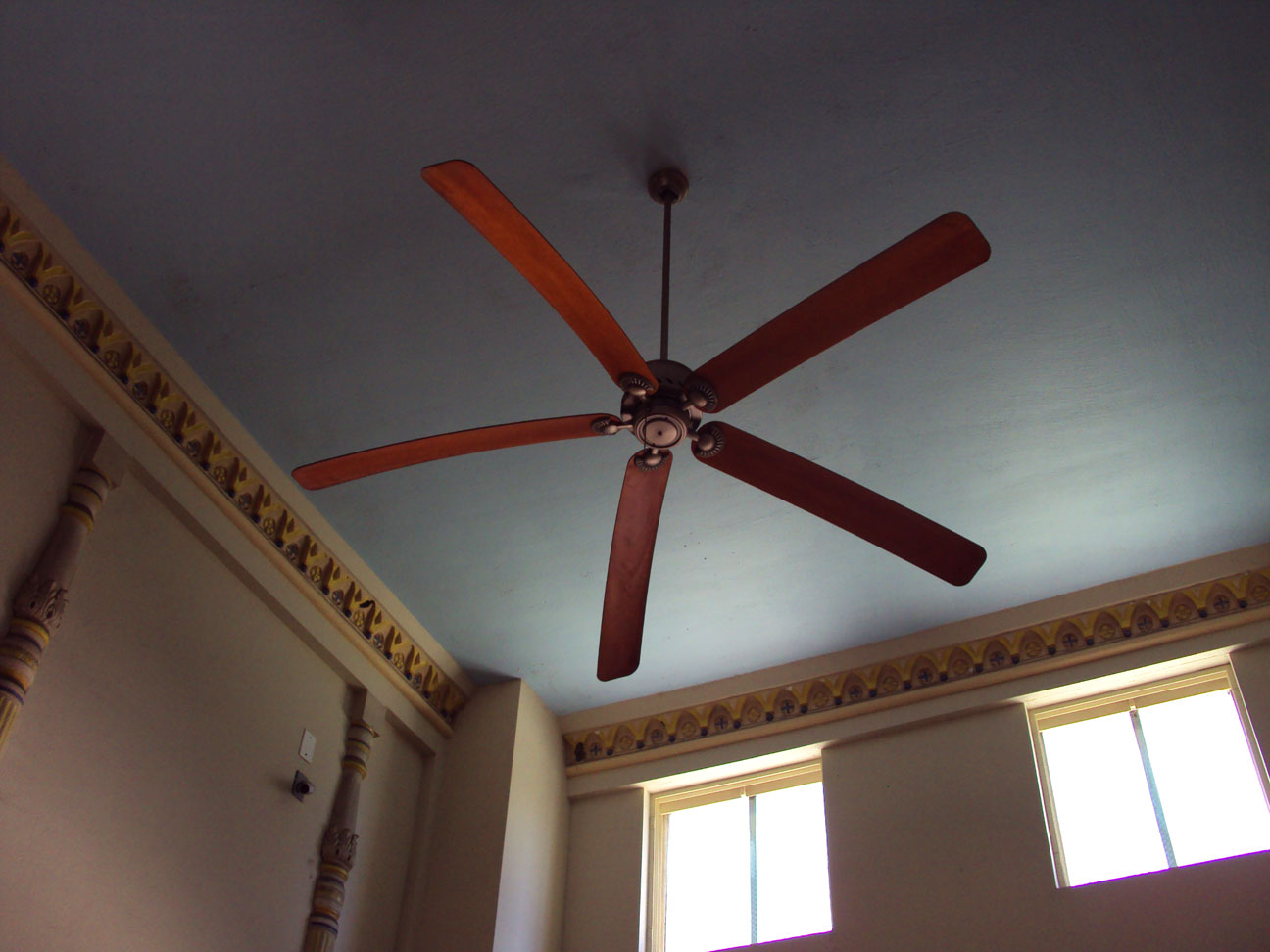 Vintage Ceiling Fan Viewing Gallery