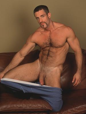 Hombres Desnudos Con Penes Grandes Y