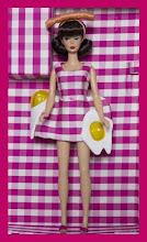 Agatha Ruiz de la Prada diseña un vestido para Barbie!