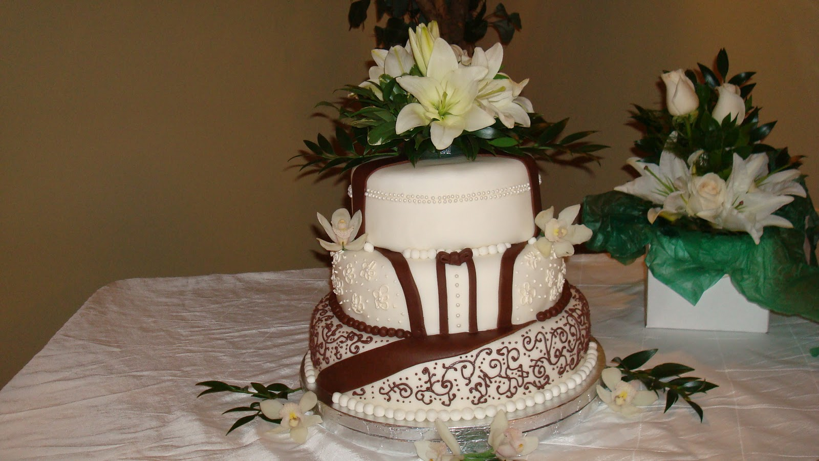 Wedding Cakes And Fabulously Delicious Creations Brown And White 3 Tier Wedding Cake