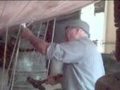Trabajos de calafateo de cascos y cubiertas.