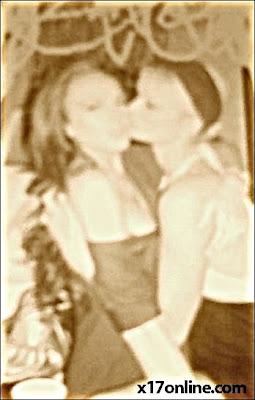 Paris Hilton cium Lindsay Lohan