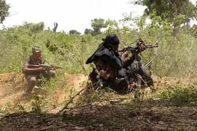 http://2.bp.blogspot.com/_LuCsMlqNo2M/SdZ66g03m3I/AAAAAAAAFRo/NUdfrDF5KFY/s400/battle.jpg