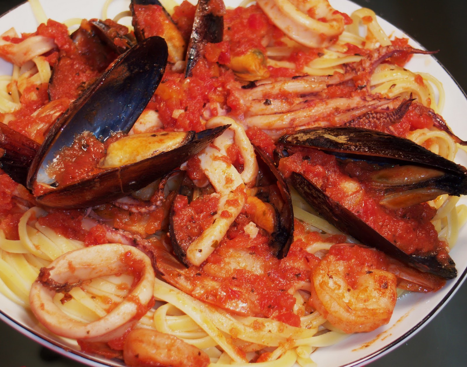 Feast of 7 fishes italian menu for christmas eve with what for Seven fishes recipe