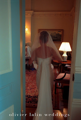 olivier_lalin_weddings_preparation_bride_wedding dress, veil,vera wang,gown