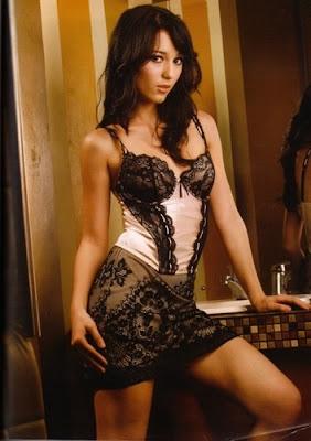 foto seksi dan foto bikini julie estelle