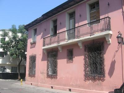 Arte en La Casa Rosada (Concha y Toro 32).