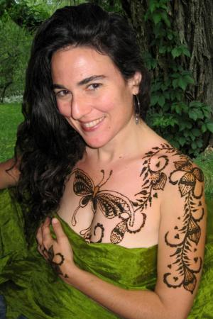 Together with the shape, as a rule,Henna Tattoos only for fun.