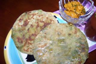 mutter ka paratha (stuffed peas in  indian style flat bread)