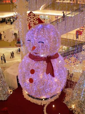 Huge Snow Man
