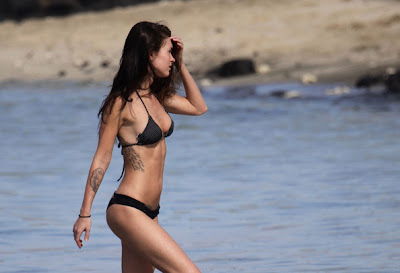 Megan Fox Looks So Hot In String Bikini