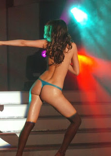 Aida Yespica Sexy Dancing With Bikini On The Stage