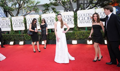 Hailee Steinfeld Lovely In A White Evening Gown With Rich Texture