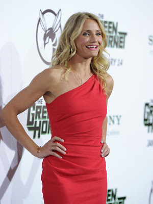 Cameron Diaz Looks Elegant In One Shoulder Dress